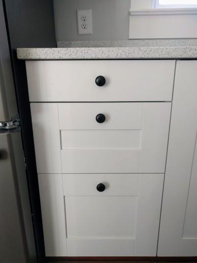 Kitchen drawer pulls