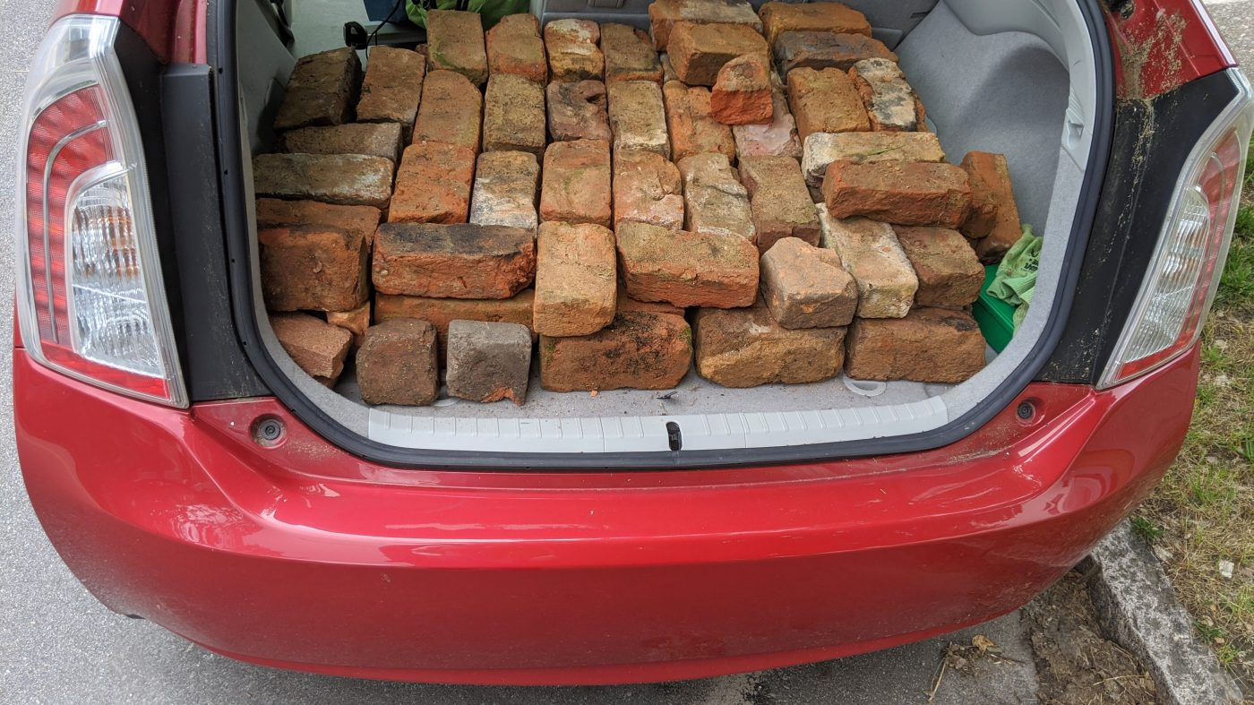 Prius for of reclaimed bricks