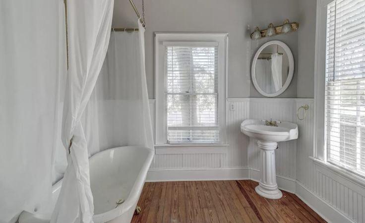 Chestnut House Bathroom